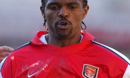 Kanu spotted with Wenger