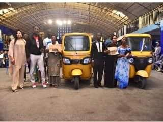 The Father of Miracle Money, Prophet Jeremiah Omoto Fufeyin Surprised members of his Ministry with cars, money, tri-cycle etc.