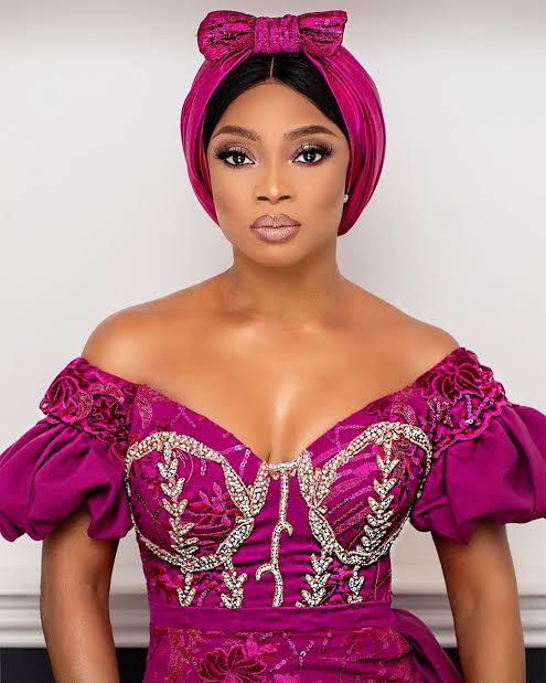 """""""The whole world should fine China when all of this is over"""" – Toke Makinwa says amid coronavirus crisis"""