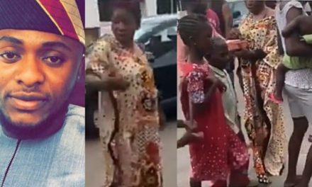 """""""No mineral?""""- Woman asks as Ubi Franklin shares free food in her neighbourhood"""