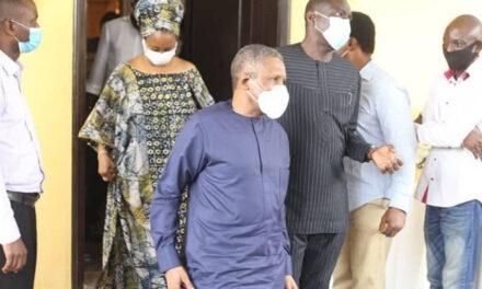 Alhaji Aliko Dangote pays condolence visit to Pastor Ituah Ighodalo following the death of his wife, Ibidun