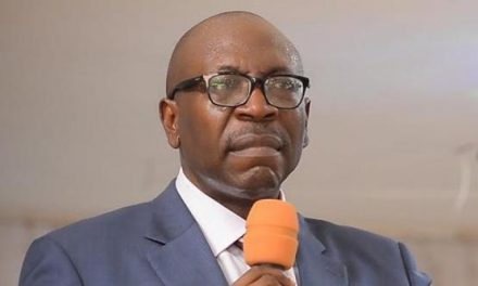 Ize-Iyamu Caught On Video Questioning Wike's Presence In Edo State