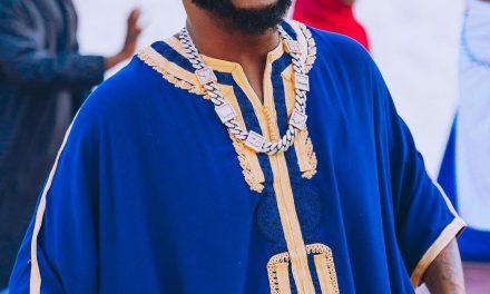 Davido stuns in Ghanaian royal attire as he turns 28