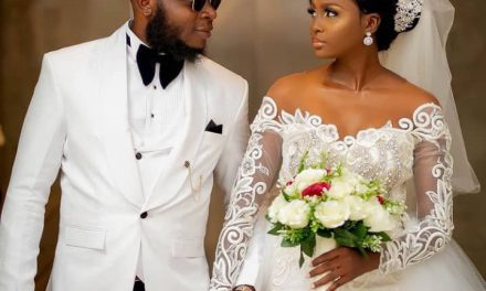 """""""Do as if you want to kiss, don't Kiss Oh"""" — Bride denies her groom a kiss while taking photos to avoid ruining her makeup"""