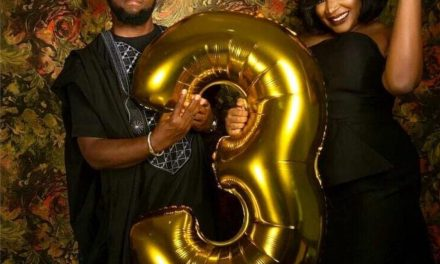 """""""You should be carrying a child not balloon"""" – Lady drags her friend as she celebrate wedding anniversary"""