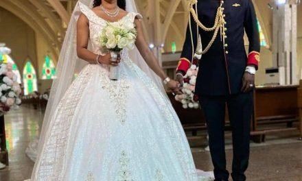Malivelihood and Deola Smart, luxurious wedding