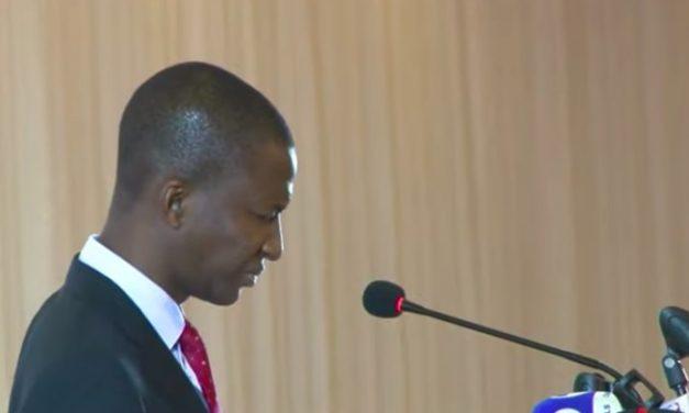 EFCC boss slumps at Aso Villa while giving a speech (video)