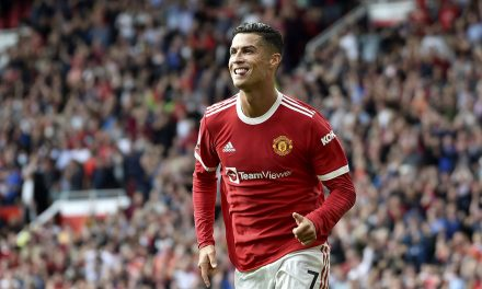Ronaldo scores twice on his second debut in United win over Newcastle